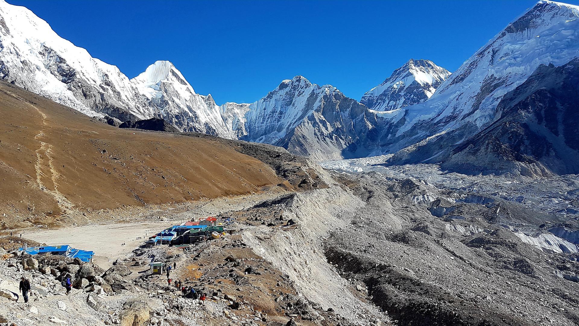 L'Everest nettoyé par une alpiniste française.